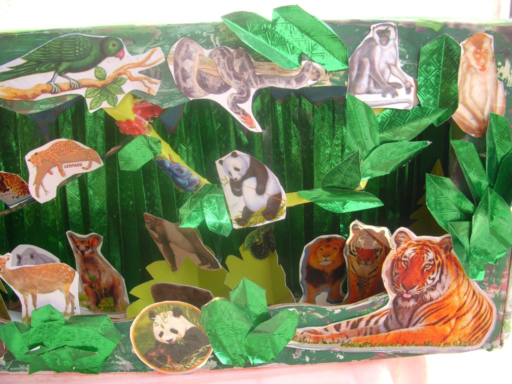 Kids Diorama With Details: Cards ,Crafts ,Kids Projects: Jungle Diorama