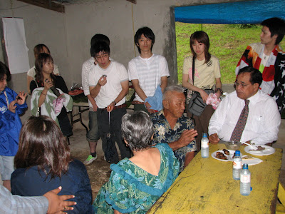 Governor Fitial with Japanese students