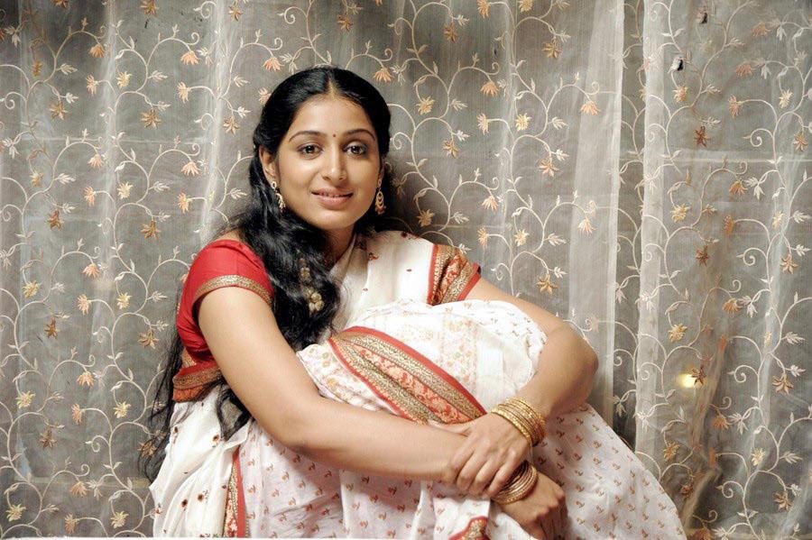 padmapriya hot in surya film awards - photo #46
