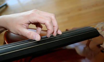 nouvelles pages TECHNIQUES et MUSIQUES pour guitares 6, 7 et 8 cordes, IMPRO etc. Cshape+hand