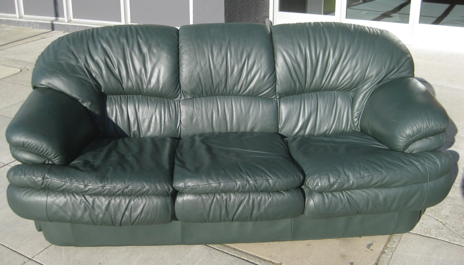 Uhuru Furniture Amp Collectibles Sold Green Leather Sofa