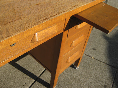 Casa Di Aria Diy 1 2 3 Refinishing An Old Oak Desk With Annie Sloan Chalk Paint