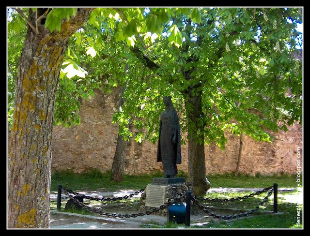 Escultura de la Infanta Cristina de Noruega en Covarrubias