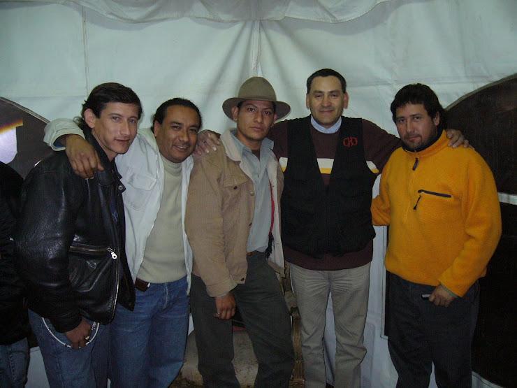 El grupo con nuestro representante