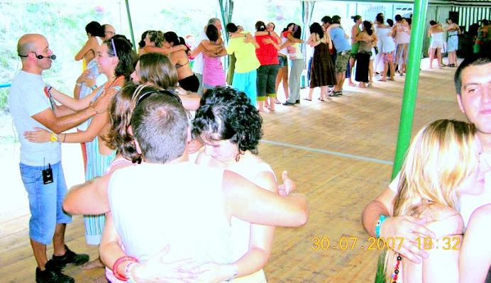 A. Jorge Dinamizando Workshop de ABRAÇOterapia...