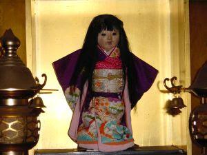 okiku2 Boneka Okiku Dari Jepang, Boneka Setan Yang Penuh Misteri