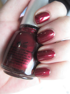 China Glaze Mommy Kissing Santa
