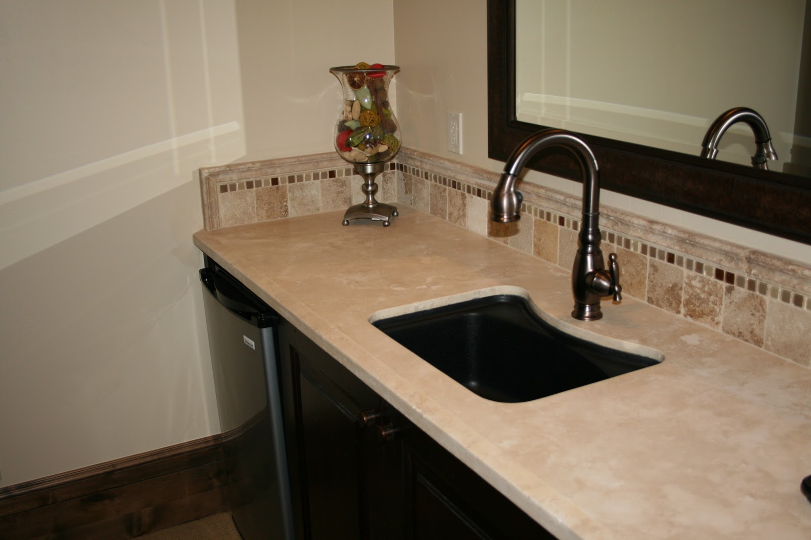 kitchen countertops tile the granite gurus durango travertine bar 1021