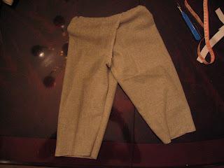 Do-it-yourself EC: Shana's daughter in split crotch pants