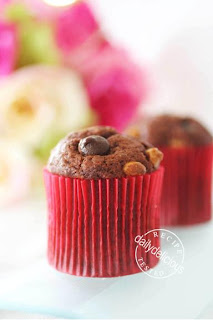 petite chocolate muffin quicky sticky biscuits rather rich corn ...