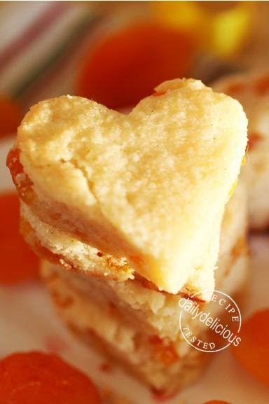 dailydelicious: Dried Apricot Shortbread Heart: A gift for friend