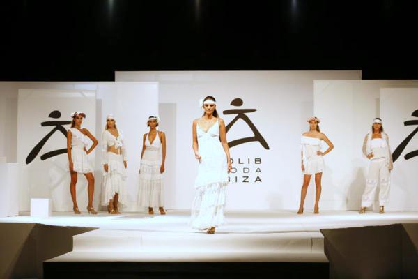 Las palabras mágicas: Adlib fashion from Ibiza