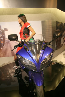 new launch, yzf r15 specifications, r15 pictures, about, price, colors, model available, new models, insurance, loans, accident, rent, buy sell bikes, yamaha yzf r15