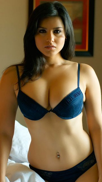 Real Indian Girl Seducing Babe In Bra N Panties