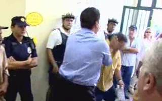 Prefeito Kassab expulsando Sr. Kaiser do hospital