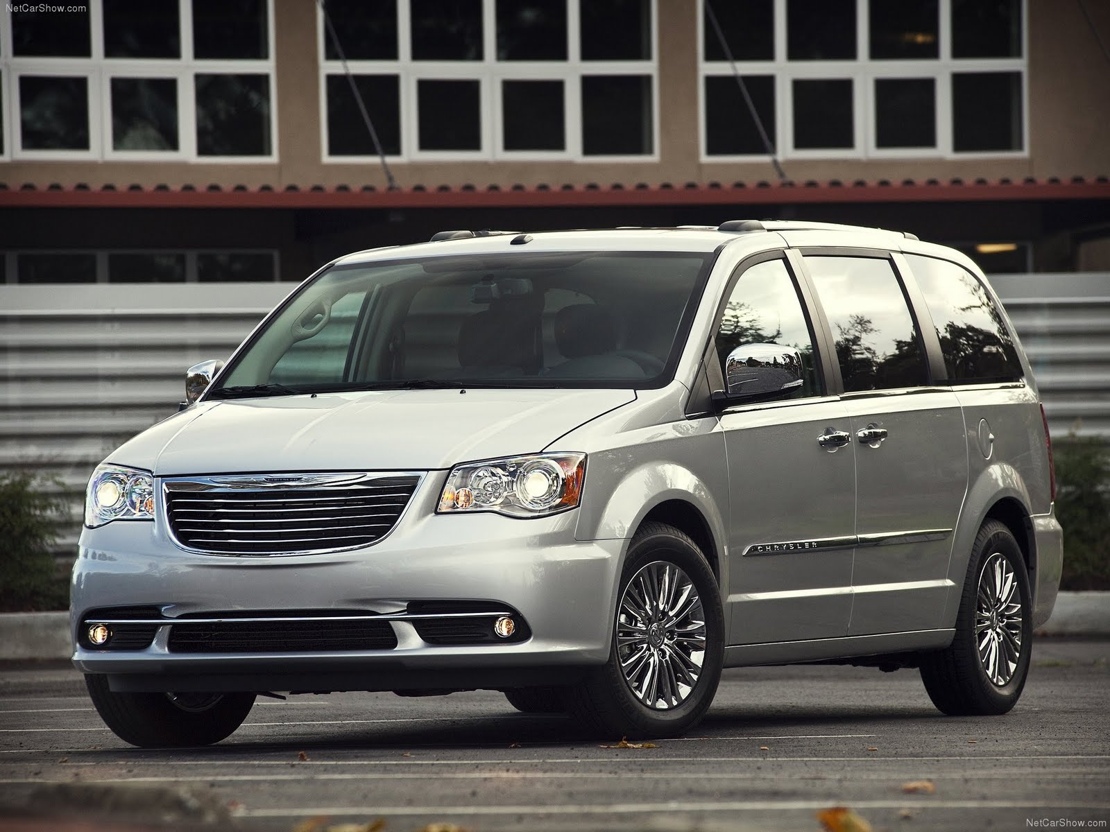 Chrysler town and country colors