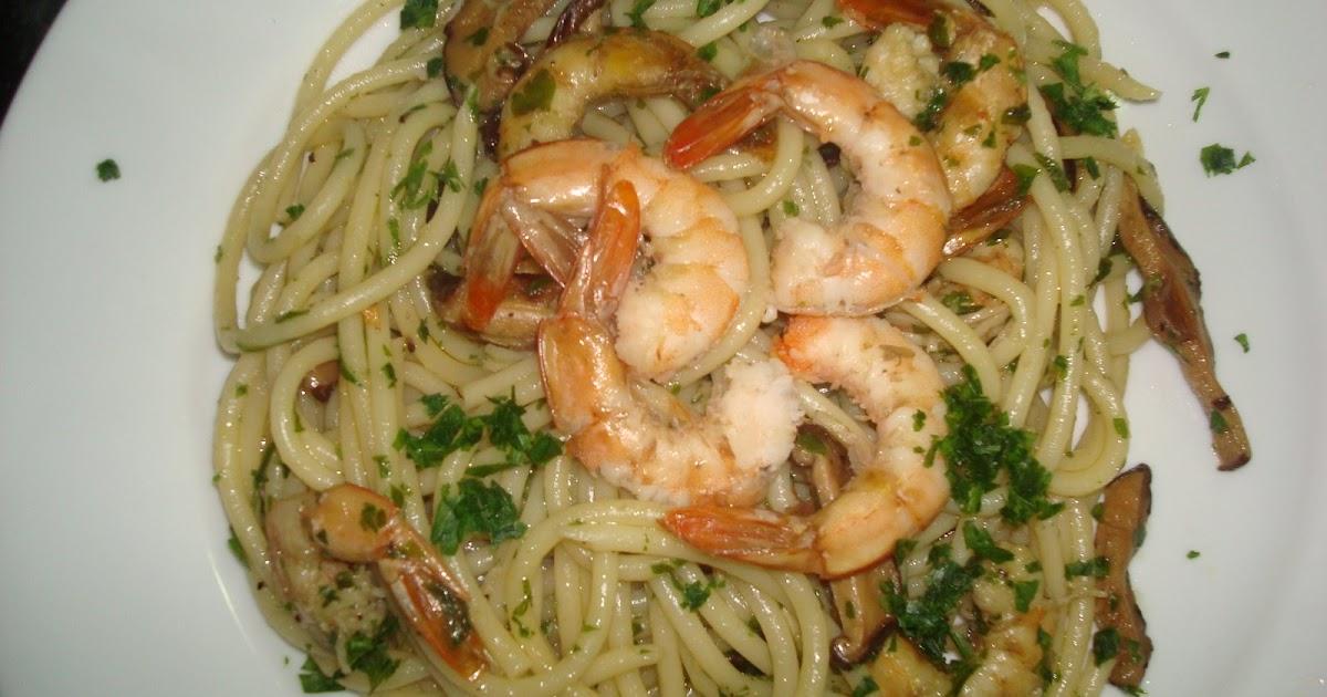 Gourmet planet bugattini al aglio olio con hongos y camarones for Como se cocinan los hongos