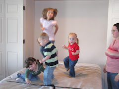 4 Little Monkeys Jumping on the Bed!
