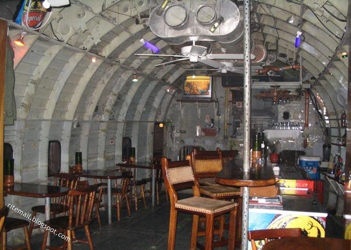 [plane-restaurant-5.jpg]