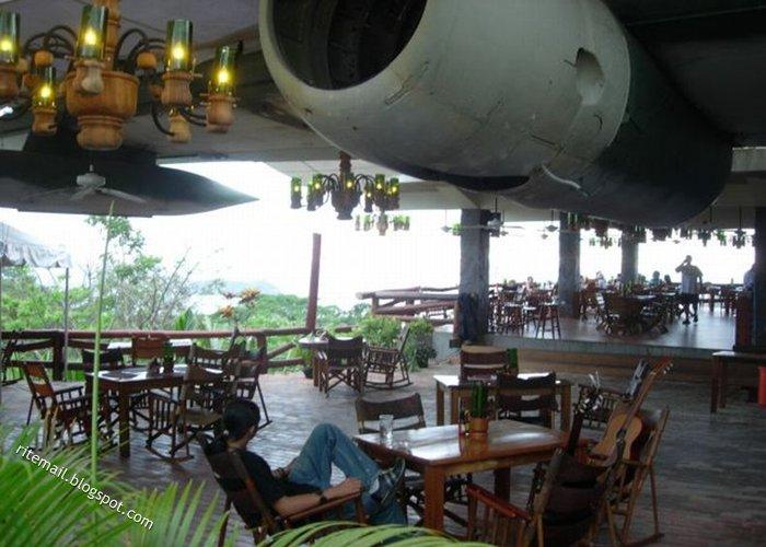 [plane-restaurant-7.jpg]