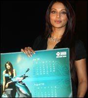 Bipasha Basu endorsing Kinetic Calender and Kinetic Flyte