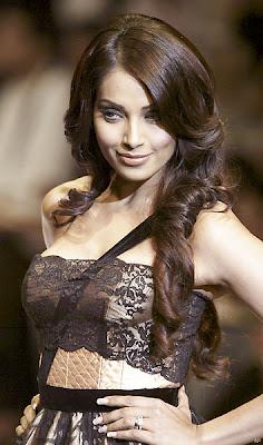 I don't want to struggle in Hollywood, says Bipasha Basu