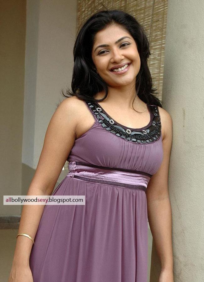 Kamalinee Mukherjee Stills