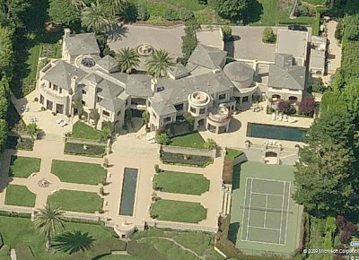 A Look At Huge Mansions Homes Of The Rich