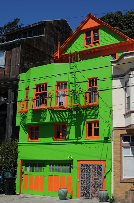 Fluorescent Digs in San Francisco's Potrero Hill Neighborhood