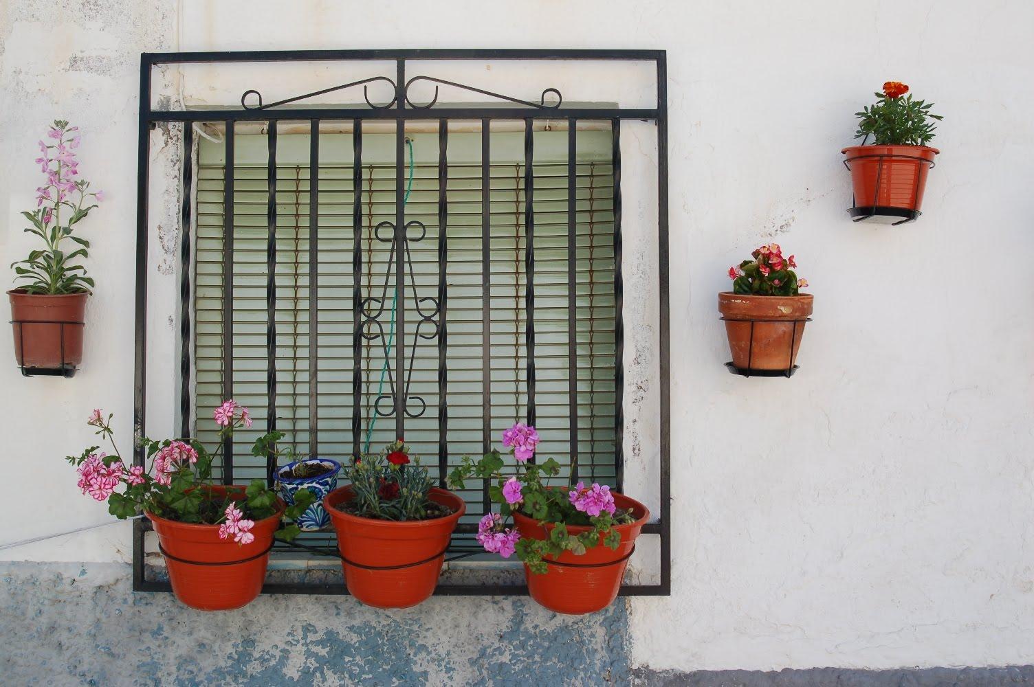 El blog de ma fachada de casa andaluza decorada con for Fotos de fachadas de casas andaluzas