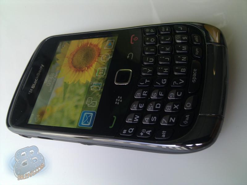 blackberry curve 9300 smartphone software