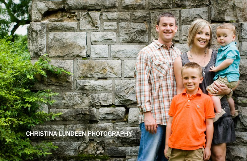 Fun Family Outdoor Photo Ideas