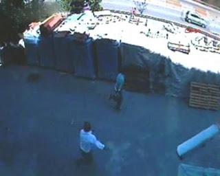 Otomobil hırsızları güvenlik kamerasına yakalandı