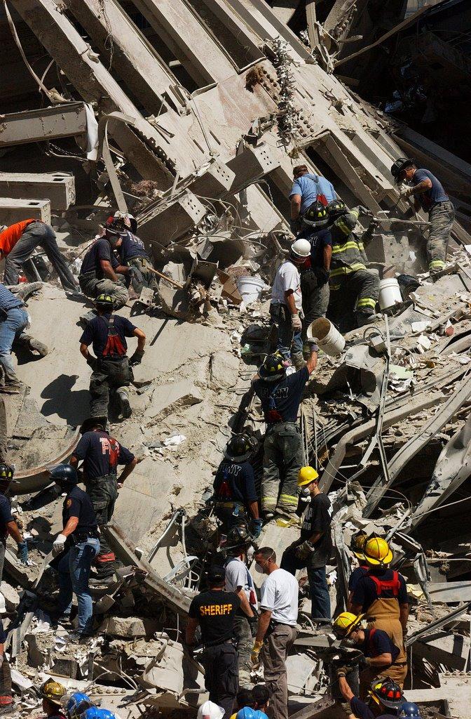 Stevenwarran The 9 11 Bucket Brigades At Ground Zero