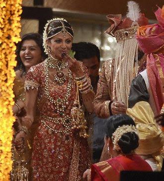 BOLLYWOOD NEWS: Shilpa Shetty wedding with Raj Kundra