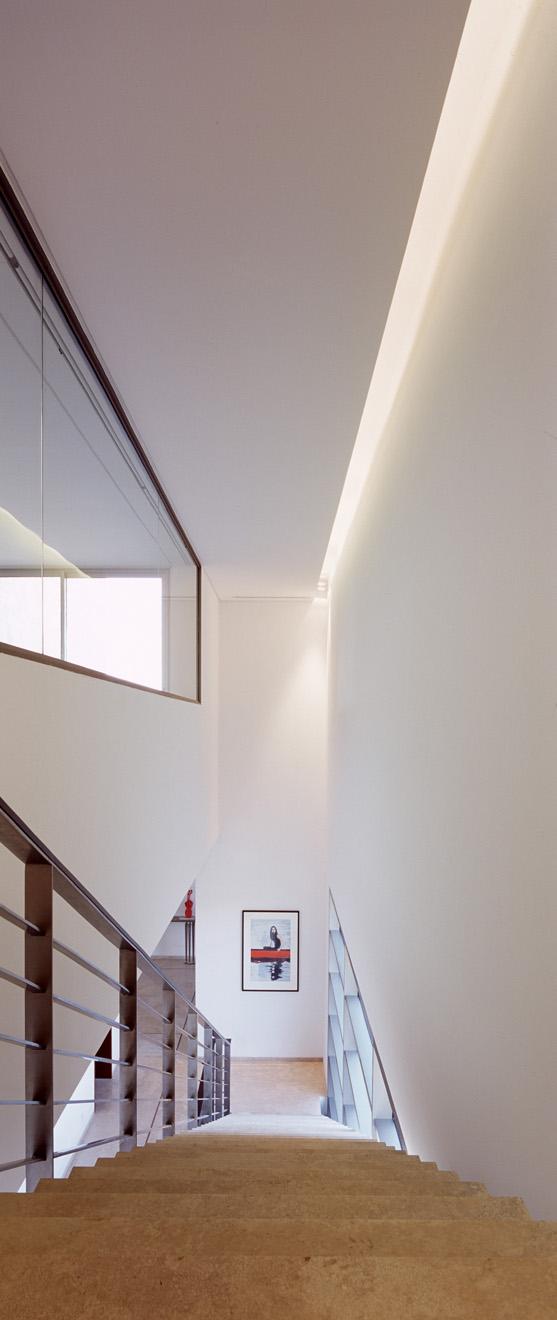 [F+HOUSE-RS-007.jpg]