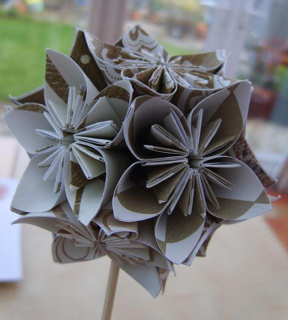 Susan Pinner Origami Flower Ball Lm Hooked
