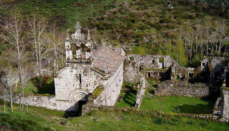 Antigo Mosteiro em Pitões de Júnias