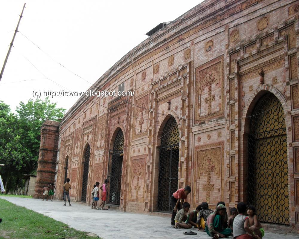 Faridpur: Majlis Awlia Mosque | Lonely Traveler