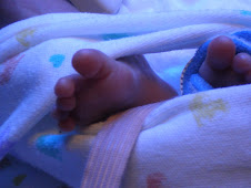 Nic's tiny toes shortly after birth.