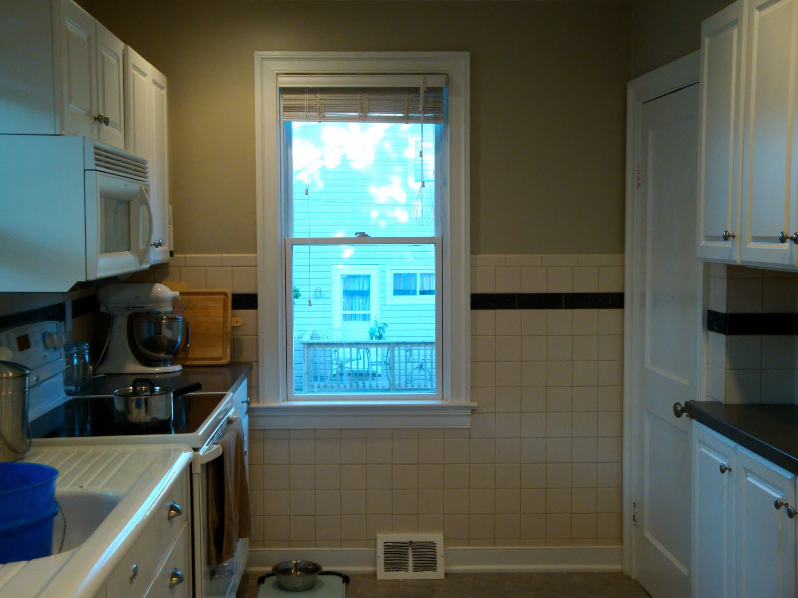 Remodelaholic kitchen backsplash tiles now beadboard doublecrazyfo Images