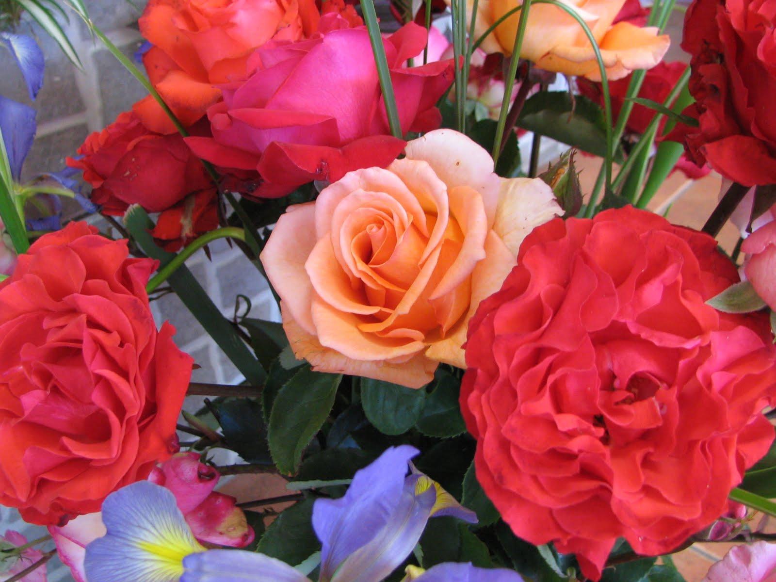 La Multi De Flori Cu Ani Buchete