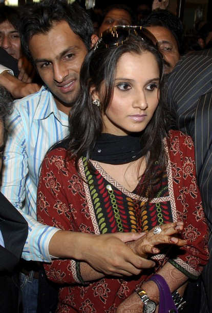 Sania Mirza And Shoaib Malik Spotted At Lahore After