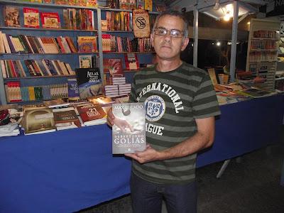 Charles Netto com o Livro Vencendo o Gigante Em 05 Nov 2010 às 21:00 horas