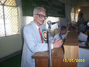 Prof. Shafi at a Function in AMU Aligarh
