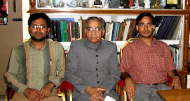 Hakeem Zillur Rahman with visitors of Ibn Sina Academy