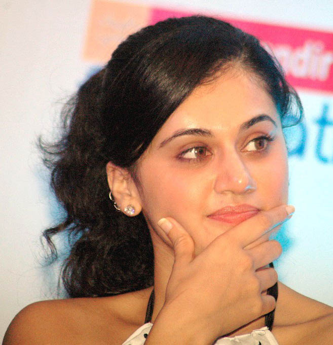 tapsee in white skin at kalamandir foundation hot images