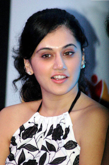 tapsee in white skin at kalamandir foundation glamour  images
