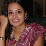 Sindhu Menon Spotted After Marriage Rare Photo Set
