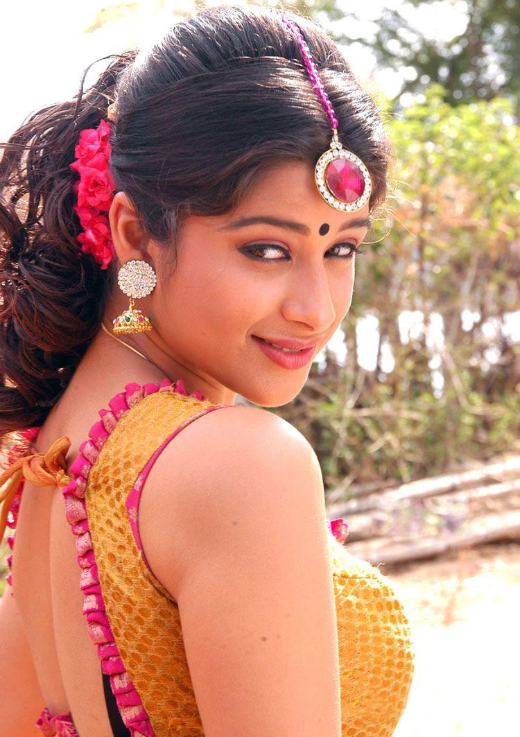 Tollywood Actress Madhurima Biography And Photos -4287